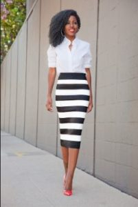 how to wear a stripped skirt